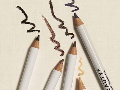 How to Choose the Right Eyeliner for Your Eye Color