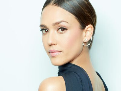 Get the Look: Jessica Alba at the Vanity Fair Oscar Party