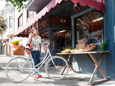 Cruise through Summer on This Instagrammable Bike