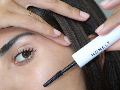 Jessica Alba's $17 Drugstore Secret to Longer Lashes