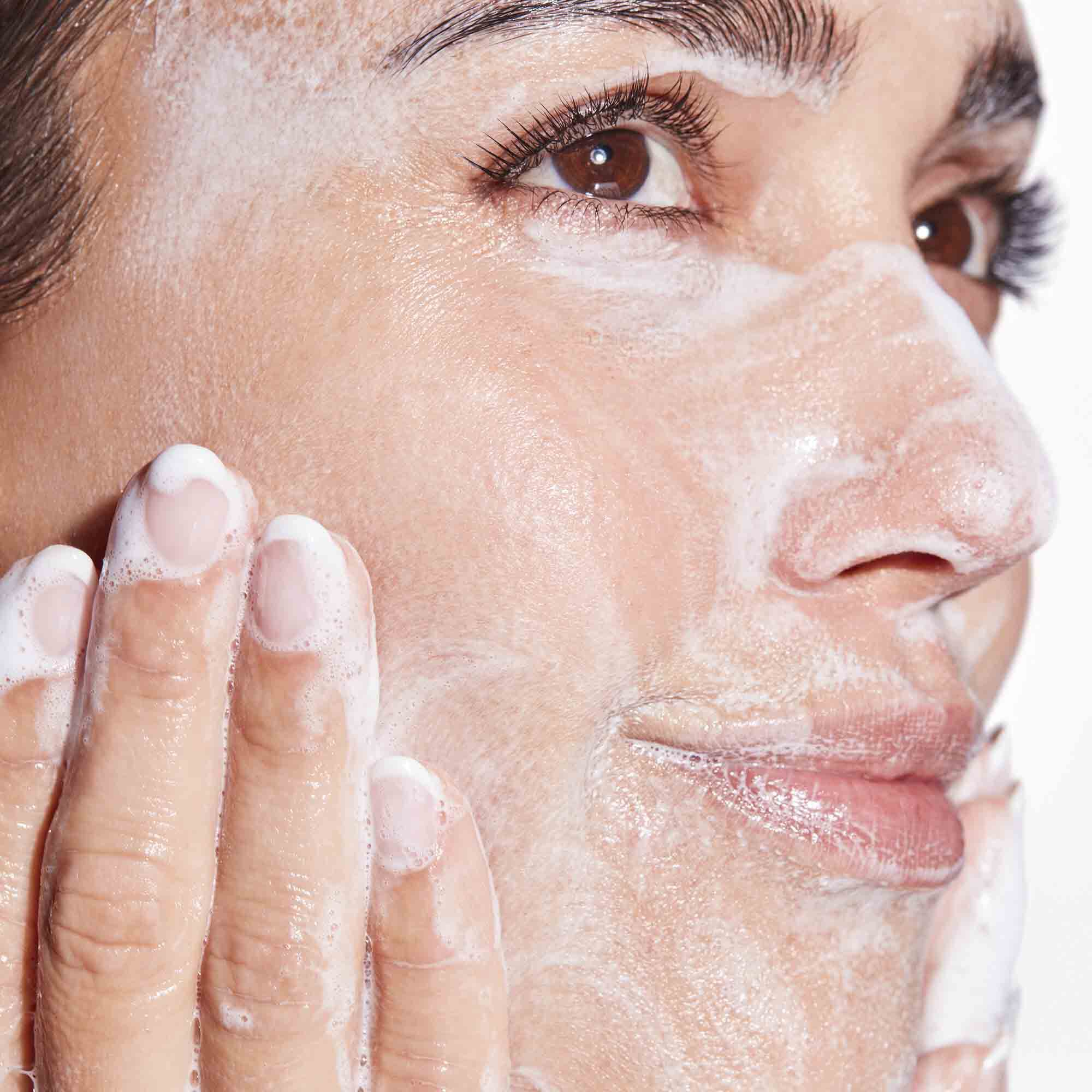 Calm On Foaming Cream Cleanser