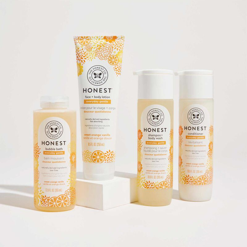 Front Facing image of all Sweet Orange Vanilla scented bathtime products