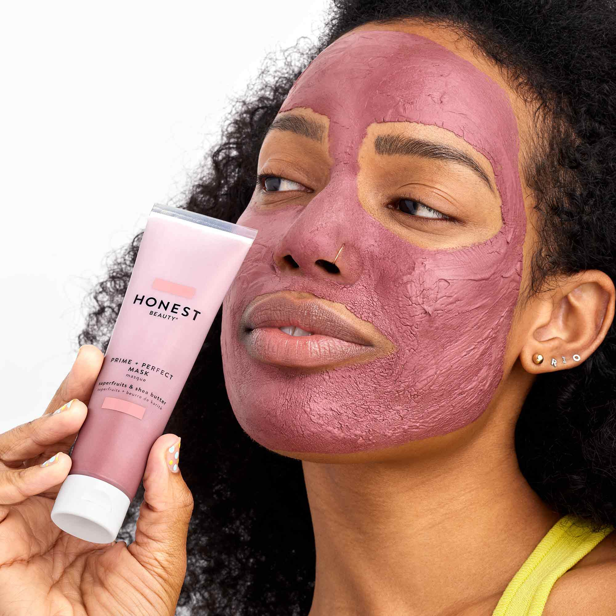 model wearing the prime perfect mask
