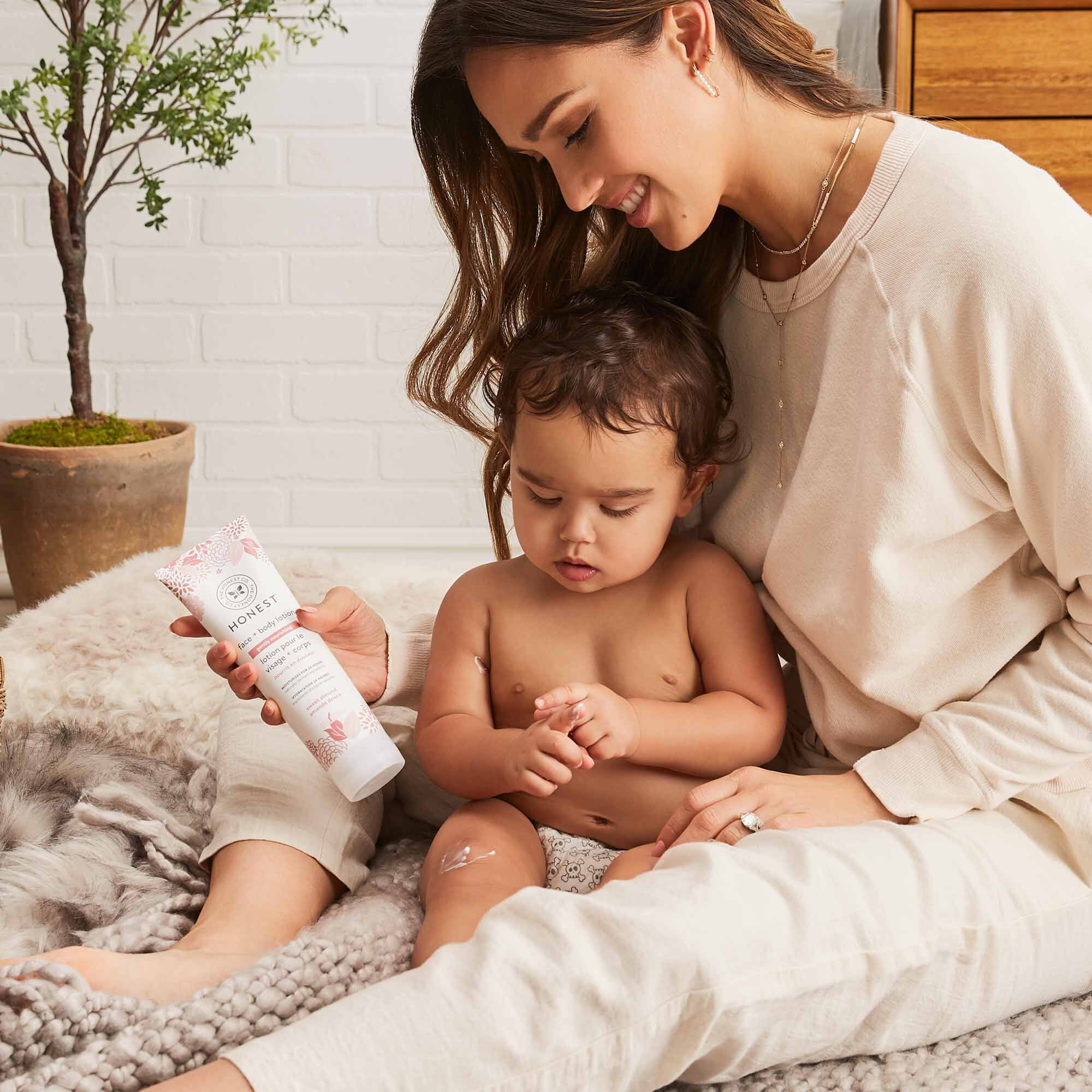 jessica alba and baby with face + body lotion