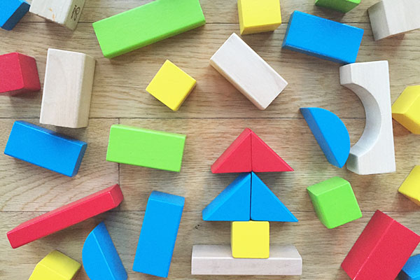 Why Simple Toys Make Smarter Kids
