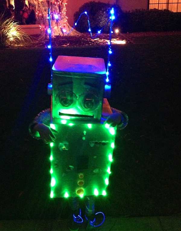 Halloween Robot Upcycled from Boxes