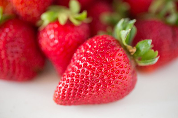 Celebrate Strawberry Season with DIY 2-Ingredient Jam (+video)