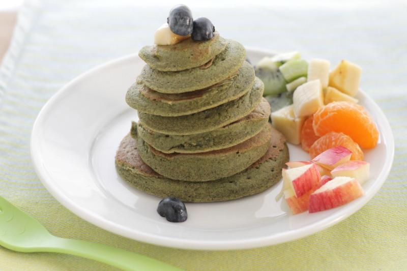 Sweet Spinach Banana Pancakes