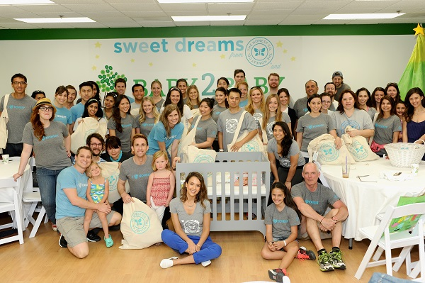 Baby2Baby 2014 Volunteer Day With The Honest Company